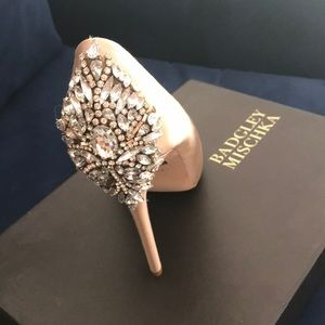 Badgley Mischka Kiara shoe 8.5 size latte color